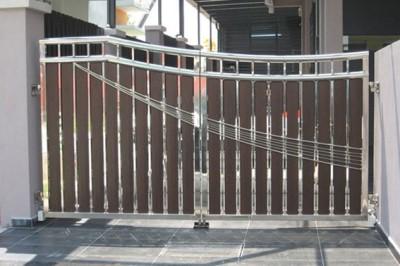Nerezová brána